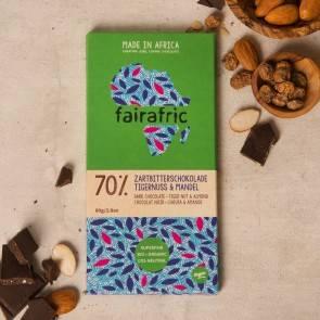 Fairafric vegane Bio-Zartbitterschokolade 70% Tigernuss und Mandel